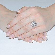 Золотое кольцо с бриллиантами в белом цвете