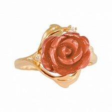Золотое кольцо с кораллом и фианитами Роуз