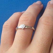 Кольцо с бриллиантом Нежное сердце