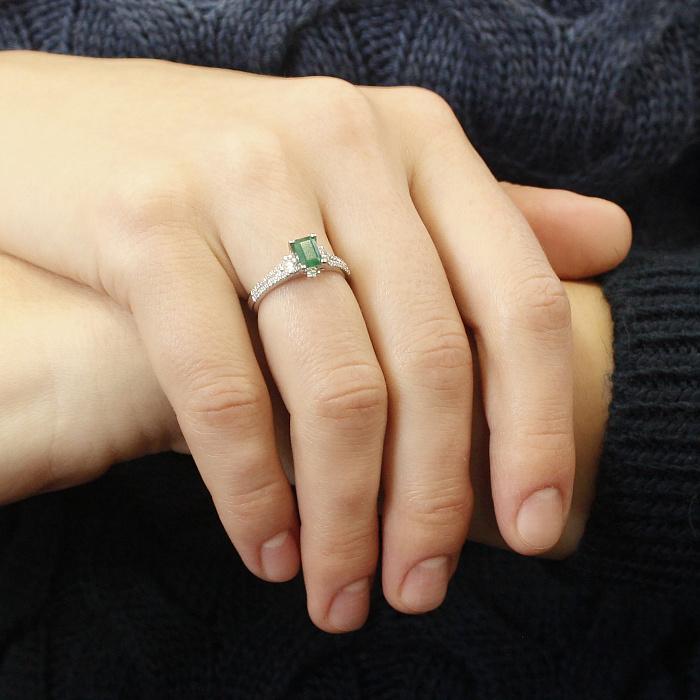 Кольцо в белом золоте Мadlen с изумрудом и бриллиантами 000079356