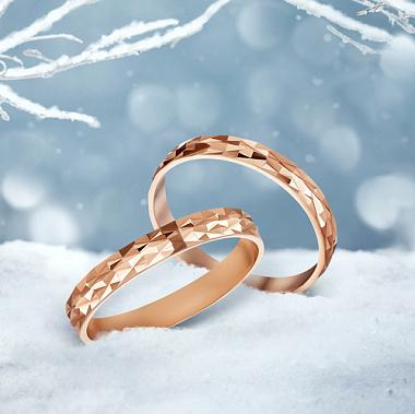 Обручальное кольцо из красного золота с алмазной гранью 000000298