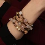 Спиральный браслет Романтика с каучуком, розовым кварцем, агатом и кристаллами Swarovskі
