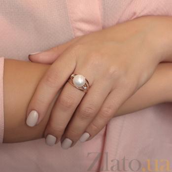 Золотое кольцо Тайны океана в красном цвете с белым жемчугом и фианитами 000082836