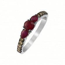 Золотое кольцо Модеста в белом цвете с рубинами и коньячными бриллиантами