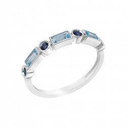 Золотое кольцо в белом цвете с голубыми топазами и сапфирами 000114588