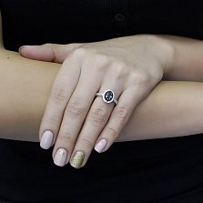 Серебряное кольцо Тея с зеленым кварцем, черными и белыми фианитами
