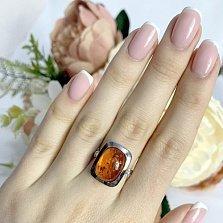 Серебряное кольцо Корнелия с завальцованным янтарем