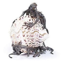 Дизайнерская серебряная шкатулка с раковиной и позолотой 000004394