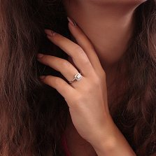 Серебряное кольцо Лунная магия с белым опалом и фианитами