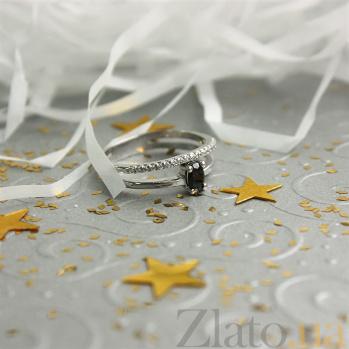 Серебряное кольцо Стайп с черным и белыми фианитами 000062116