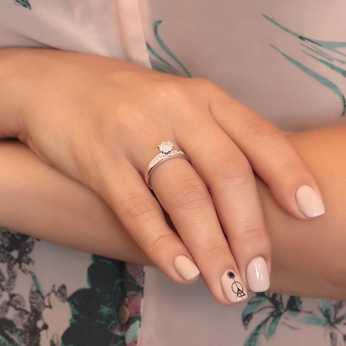 Золотое кольцо Обрамление в белом цвете с бриллиантами 000078673