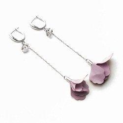 Серебряные серьги-подвески Маки с розовым текстилем и фианитами в стиле Шанель 000080208
