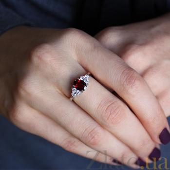 Серебряное кольцо Шарлиз с гранатом и фианитами 000032407