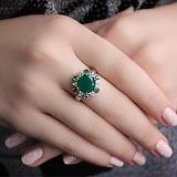 Серебряное кольцо с зеленым агатом и фианитами Бьюти