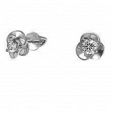 Золотые серьги-пуссеты Традесканция в белом цвете с бриллиантами