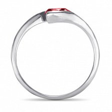 Золотое кольцо Тонкие грани в белом цвете с синтезированным рубином
