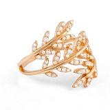 Золотое кольцо Лиственная спираль с фианитами