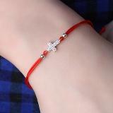 Шелковый красный браслет Крест с серебряной вставкой и фианитами