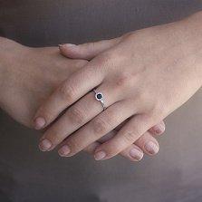Золотое кольцо Звезда в белом цвете с сапфиром и бриллиантами