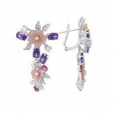 Серебряные серьги Цветочная нежность с разноцветными фианитами и перламутром