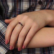 Золотое кольцо из белого золота с рубином Зафира
