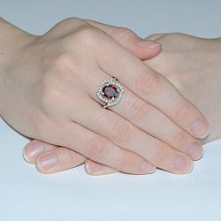 Серебряное кольцо с цирконием цвета гранат Мираж