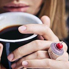 Эксклюзивное кольцо Кекс с кораллом, сапфирами, рубинами и бриллиантами