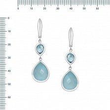 Серебряные серьги-подвески Кира с голубым топазом и халцедоном