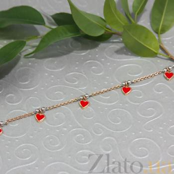 Детский золотой браслет Любовь с подвесками-сердцами в красной эмали ONX--б00518