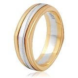 Золотое обручальное кольцо Стильный образ