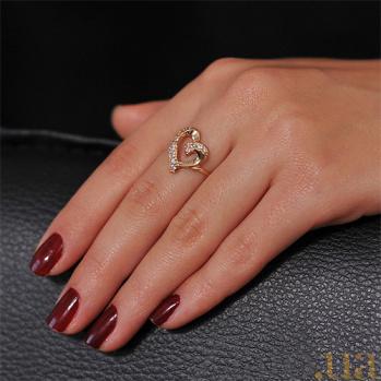 Золотое кольцо с цирконием Сердечные дела EDM--КД0228
